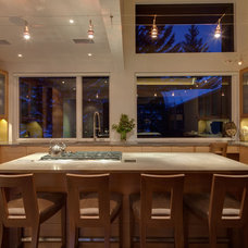 Modern Kitchen by Della and Zella Interiors