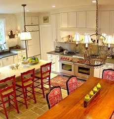 traditional kitchen by M Woodruff Design, LLC