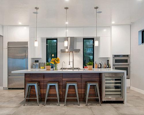 Cuisine moderne avec un sol en carreaux de ciment photos - Taille moyenne cuisine ...