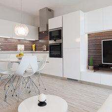 Modern Kitchen by Goldfish-Interiors