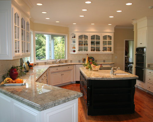 Large Traditional U Shaped Open Plan Kitchen In San Francisco With An  Undermount Sink, Part 46