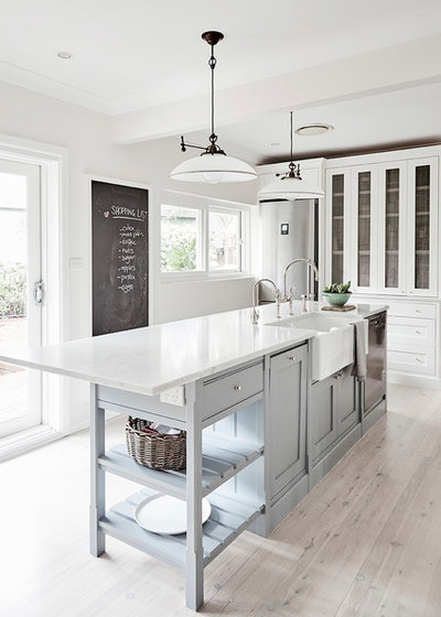 Country Kitchen by Provincial Kitchens