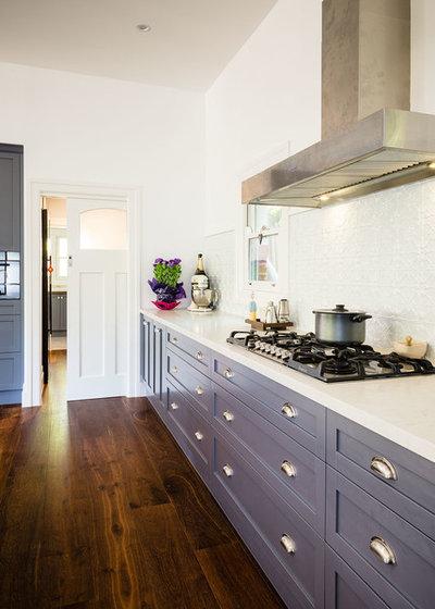 Clásico renovado Cocina by Steding Interiors & Joinery