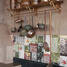 Eclectic Kitchen by Eduarda Correa Arquitetura & Interiores