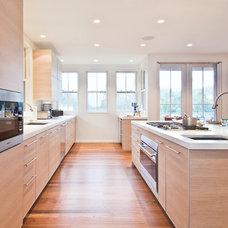 Modern Kitchen by Hampton Design