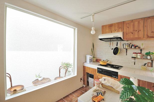 Eclectic Kitchen by Kentaro Kurihara