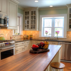 Traditional Kitchen by Showcase Kitchen & Bath