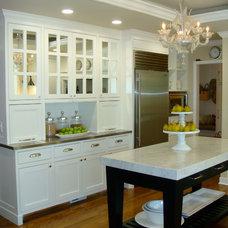 Transitional Kitchen by studioZiffer
