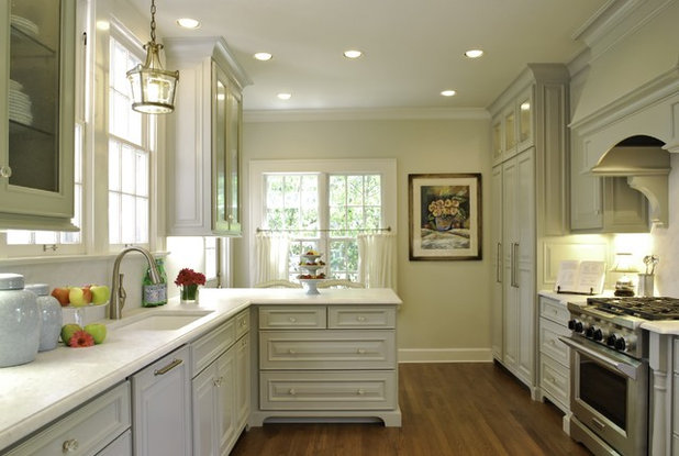 hiring a kitchen designer. Traditional Kitchen by BRADSHAW DESIGNS LLC How to Work With a Designer