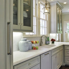 Traditional Kitchen by BRADSHAW DESIGNS LLC