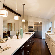 Contemporary Kitchen by formeTHIRD