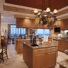Traditional Kitchen by Simonsen-Hickok Interiors