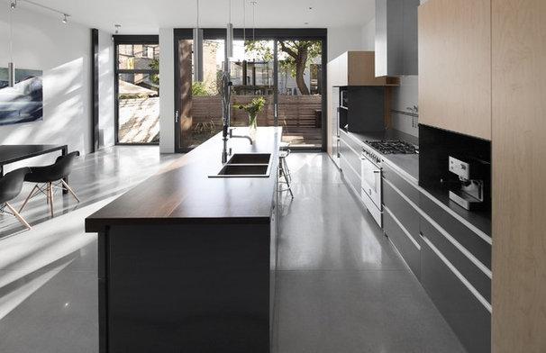 Modern Kitchen by Natalie Dionne Architecture