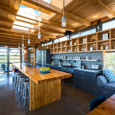 Contemporary Kitchen by CORE Architects