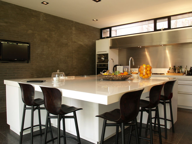 Contemporary Kitchen by in3interieur