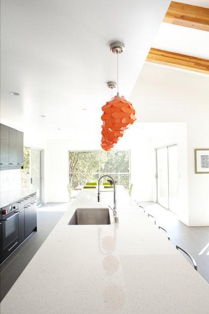 Contemporary Kitchen by 360 design studio