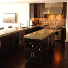 Contemporary Kitchen by Nau Builders, Inc.