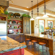 Mediterranean Kitchen by Pinnacle Architectural Studio