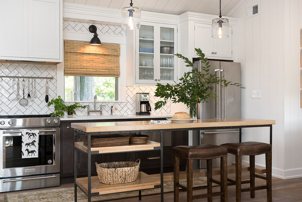 Farmhouse Kitchen by Anderson & Rodgers Construction