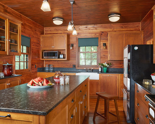 Mid Sized Rustic Enclosed Kitchen Appliance Mid Sized Mountain Style Enclosed Kitchen Photo