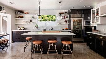 Moraga Drive Kitchen / Bel Air, CA
