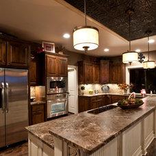 Traditional Kitchen by Legacy Custom Homes, LLC