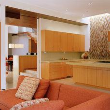 Modern Kitchen by Swatt | Miers Architects