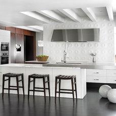 Modern Kitchen by HammerSmith, Inc