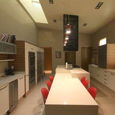 Contemporary Kitchen by Aurelio Vazquez