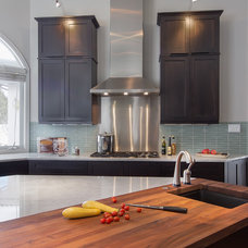 Contemporary Kitchen by JJ Interiors