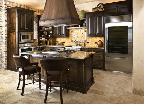 Rustic Kitchen by Dallas Design Group, Interiors