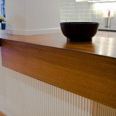 Modern Kitchen by ONY architecture LLC.