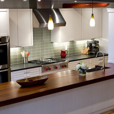 Modern Kitchen by ONY architecture LLC.