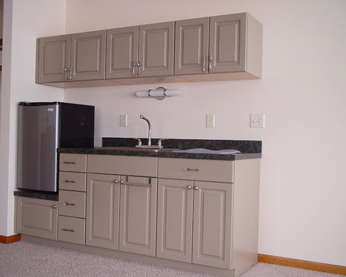 Small Traditional Eat In Kitchen Ideas   Example Of A Small Classic  Single Wall