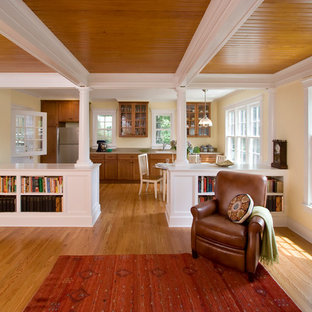 Craftsman kitchen designs - Example of an arts and crafts kitchen design in New York
