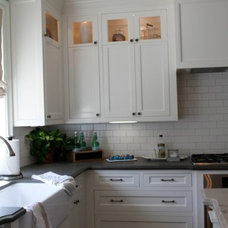 Traditional Kitchen by BUILDERS MOULDING SUPPLY INC