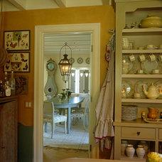 Traditional Kitchen by Lars Bolander Ltd