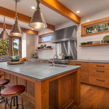 Mountain Home: Kitchen