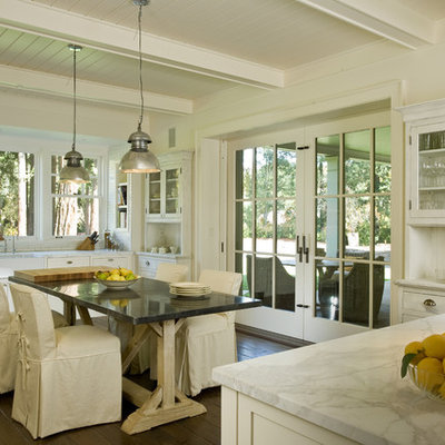 Inspiration for a timeless kitchen remodel in San Francisco with a farmhouse sink