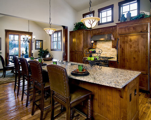 Large Traditional Eat In Kitchen Pictures