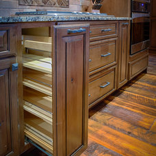 Traditional Kitchen by Creative Cabinetry Corp