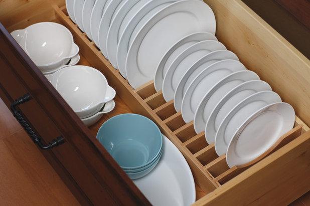 トラディショナル キッチン by Dura Supreme Cabinetry