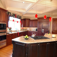 Traditional Kitchen by Pippin Home Designs, Inc
