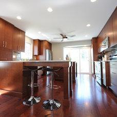 Modern Kitchen by Mountainside Design + Build
