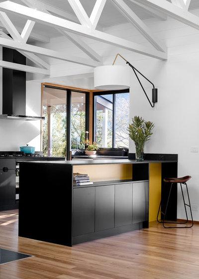 Midcentury Kitchen by Benedict Design