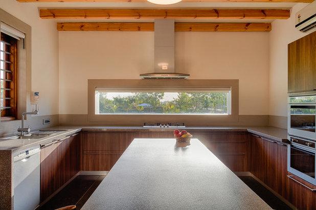 Contemporary Kitchen by KSUP STUDIO