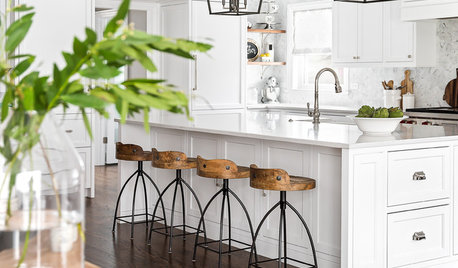 Kitchen of the Week: White Cabinets With a Big Island, Please!