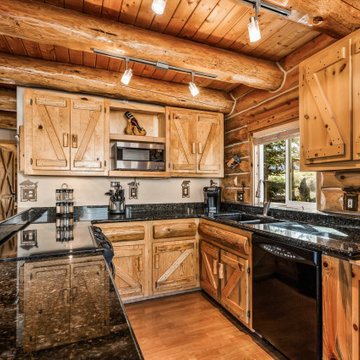Mt. Jefferson Log Home