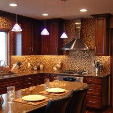 Modern Kitchen by Cherry Creek, Inc.