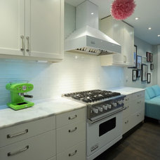 Eclectic Kitchen by Studio CrowleyHall, pllc